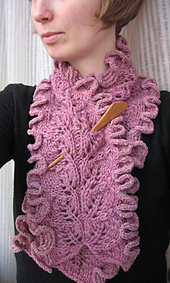 Frillyscarf01_small_best_fit