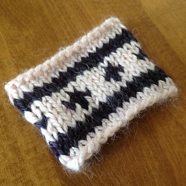Ravelry: Jogless Stripe and Fair-isle Wrist warmer pattern by ...
