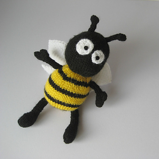 Bee_sq_0945_small2
