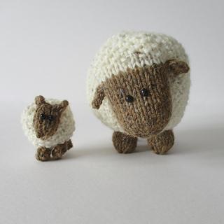 Moss_the_sheep_img_0597_small2