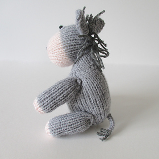 Bobbin_the_donkey_img_2103_small2