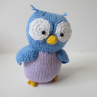Hoots_the_owl_img_9764_small2