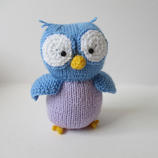 Hoots_the_owl_img_9767_small2