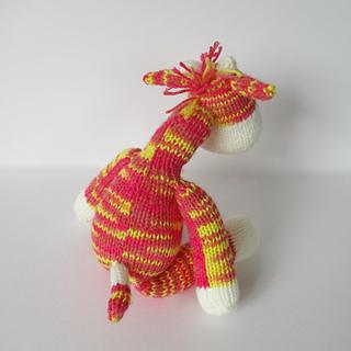 Gerald_the_giraffe_img_0200_small2