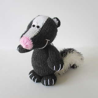 Cyril_the_skunk_img_4029_small2