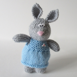 Millie_the_rabbit_img_6149_small2