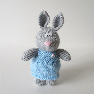 Millie_the_rabbit_img_6143_small2
