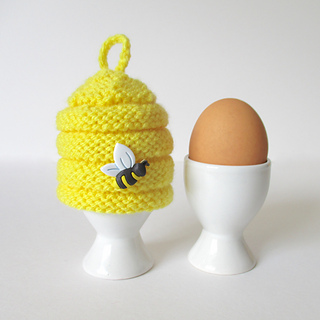 Beehive_egg_cosy_img_5259_small2