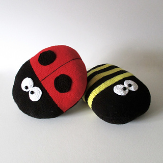 Ladybird_and_bee_img_8144_small2