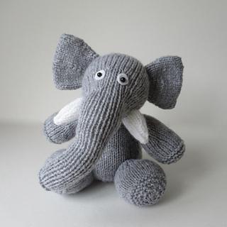 Bloomsbury_elephant_img_2064_small2