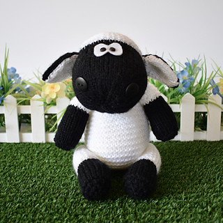 Ally_the_sheep_dsc_0008__2__small2