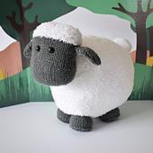 Brenda_the__sheep_dsc_0008_small_best_fit