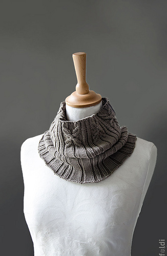 Cable-cowl-brown-04_medium