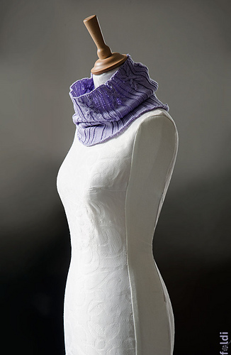 Cable-cowl-lilac-01_medium