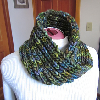 Cowl-green-rasta_1_small2