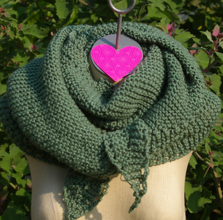 Hex_green_durable_wrapped_around_neck_small2