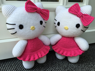 ravelry big hello kitty pattern by ella d design. Black Bedroom Furniture Sets. Home Design Ideas