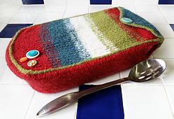 Felted_casserole_cozy-with_spoon_sm_small_best_fit