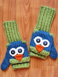 Blue_green_owl_mittens_small2