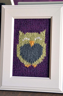 Owl_friends_knitted_wall_art_purple_owl_small2