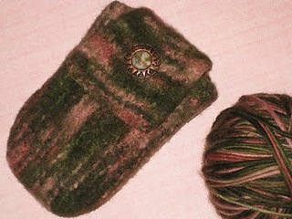 Felted_digital_camera_case_small2