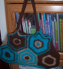 Felted_carpet_bag_small