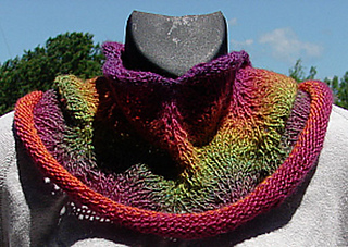 1 Skein Feather Fan Cowl