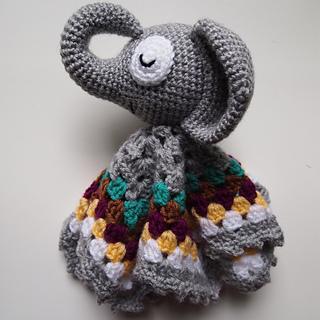 Sleepy Elephant Security Blanket pattern by Heather Jarmusz