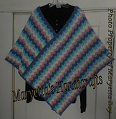 Bargello_poncho_hanger_small_best_fit