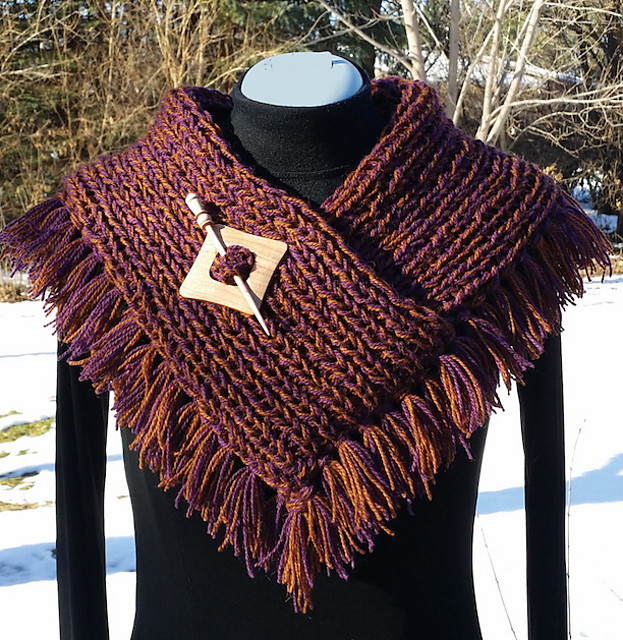 Cowl on the Fringe by Judy M. Ellis, Handiwords Ltd LLC