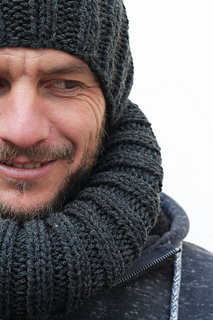 Ravelry Men S Knitted Hat And Cowl Pattern By Louise Bollanos