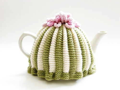 Ravelry Tea Cosy Pattern By Louise Bollanos