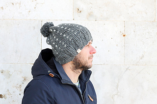 ae2cdcd867a Ravelry  Men s Slouchy Bobble Hat pattern by Louise Bollanos