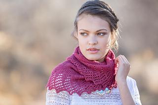 Maria_leigh_larkspur_shawl_5_small2