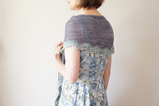 Sand_and_sea_shawlette4_small2