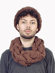 Giant_cable_collar_scarf_small