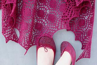 005fc1b5117e Ravelry  Dew Drops Shawl pattern by Bex Hopkins