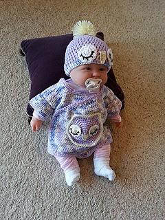 ravelry crochet sleepy owl baby hat pattern by helen brady