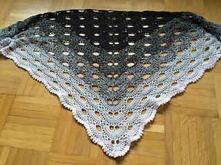 Free Crochet Pattern For A Virus Shawl : Ravelry: Virus shawl / Virustuch pattern by Julia Marquardt