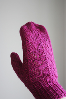 Ravelry Simple Autumn Mittens Pattern By Halldora J