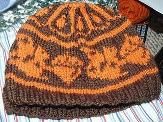 Knittergoddss_squirrel_hat_small2