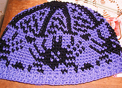 Withbuttons_spider_hat_small