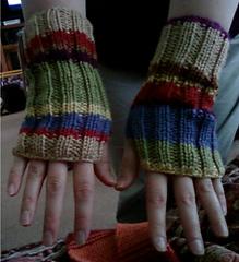 Dw_wrist_warmer_both_small
