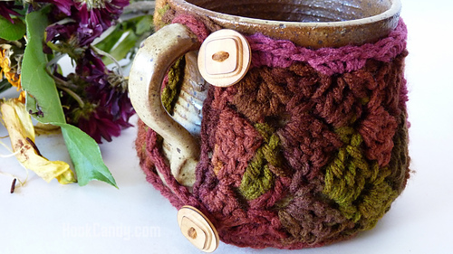 Sideways_stitch_mug_cozy_hook_candy_crochet_patterns_10_medium