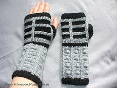 Dalekgloves4_small
