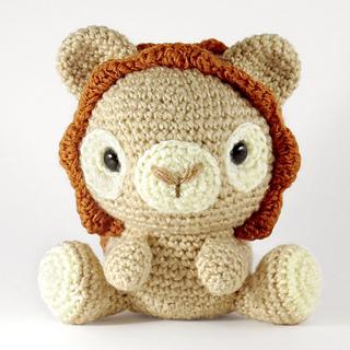 Lionnoscarf_small2