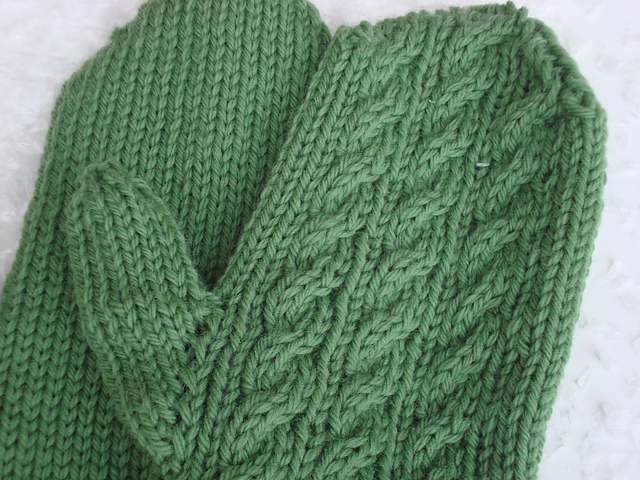 Ravelry Irish Hiking Mittens Pattern By Iknit2purl2