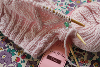 Knitting_5444_small2