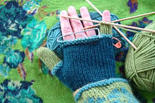 Knitting_2061_small2