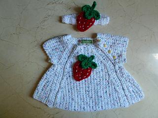 Strawberry_applique_june_2013__8__small2